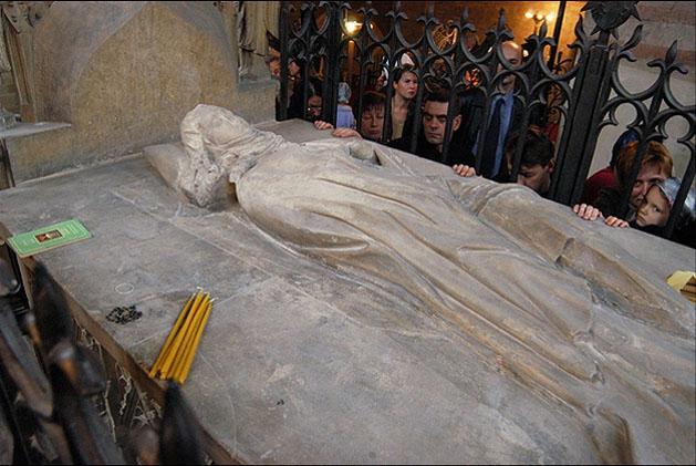 Мощи святой мученицы людмилы чешской.jpg
