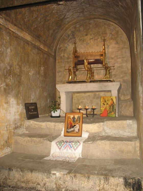 04-Burgundskie-sxolii-2010-moshi-sv.Marii-Magdaliny-v-sobore-v-Vezelay.JPG