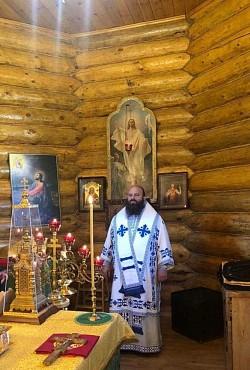 Наместник обители совершил богослужение на Сергиевском подворье Лавры