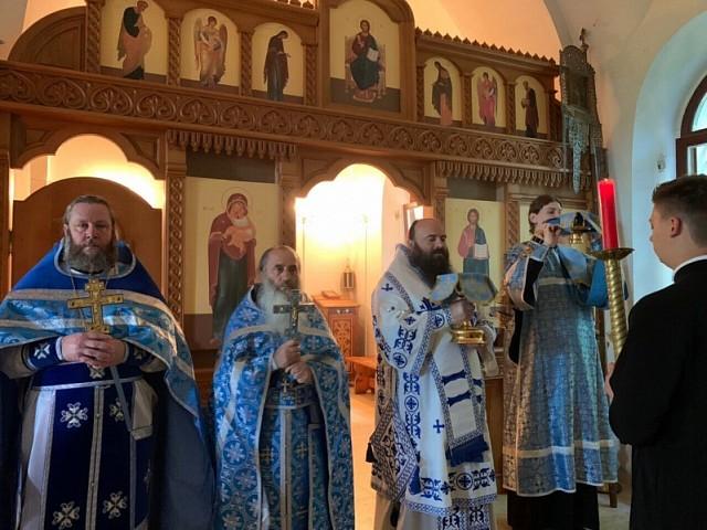 Епископ Парамон посетил дальние подворья Троице-Сергиевой Лавры