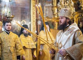 Наместник Лавры совершил воскресные богослужения в Неделю о блудном сыне