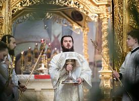 Епископ Фома совершил Литургию в Великую Субботу