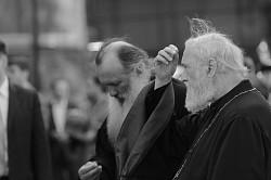 О силе крестного знамения