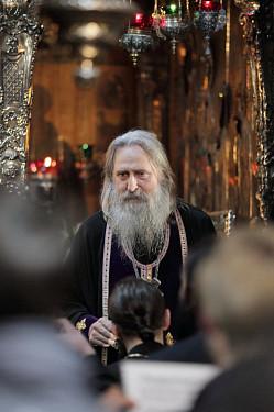 Юбилейные мероприятия 70-летия открытия Лавры начались с богослужения у мощей Преподобного Сергия