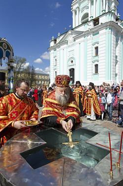 Богослужение в Троице-Сергиевой Лавре в Светлую Пятницу