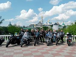 Свято-Троицкую Сергиеву Лавру посетили мотопутешественники из Чехии