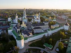 «Дороги Победы» приведут молодежь в Свято-Троицкую Сергиеву Лавру