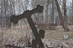 На Никольском кладбище накануне Радоницы состоялся субботник