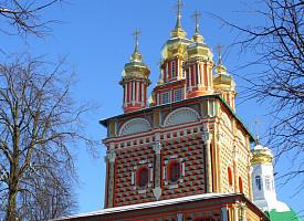 Надвратный храм Рождества Иоанна Предтечи (1693–1699)
