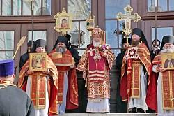 Патриарх Кирилл возглавил Литургию в Троице-Сергиевой Лавре и вручил награды клирикам и насельникам обители и ее подворий