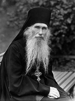 Слово архимандрита Кирилла (Павлова) в Троицкую родительскую субботу