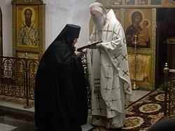 Архиепископ Феогност совершил Литургию в Николо-Вяжищском монастыре и поздравил его настоятельницу с 60-летним юбилеем