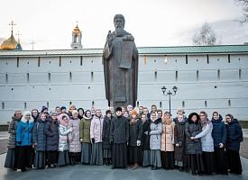 Преподаватели и студенты Нижегородской духовной семинарии и образовательного центра «Покров» посетили Лавру и Академию