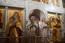 Архиепископ Феогност возглавил Литургию в Алексеевском монастыре Москвы