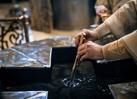 В Трапезном храме Лавры прошли службы Крещенского сочельника