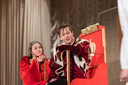 Социальная служба Лавры приняла участие в организации детского рождественского спектакля