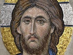 Люди с терпением святых: разговор с художником-мозаичистом*