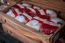 Благодетель привёз в Лавру мясные продукты для малоимущих