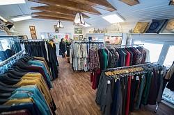 """Магазин """"Посадский стиль"""" одевает паломниц Лавры в женственную православную одежду"""