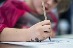 В Русском Дворце Интересов прошло занятие по каллиграфии для детей
