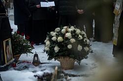 Епископ Парамон отслужил панихиду на могиле архимандрита Матфея (Мормыля) в день его 81-летия