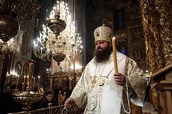 В прощеное воскресенье наместник Лавры епископ Парамон совершил Божественную литургию в Троицком соборе