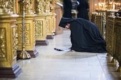 Братия и прихожане Лавры молились на Литургии Преждеосвященных Даров в среду 2-й седмицы Великого поста