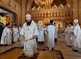 Епископ Парамон возглавил Литургию в Гефсиманском Черниговском скиту Троице-Сергиевой лавры