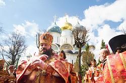 Святейший Патриарх Кирилл совершил пасхальное богослужение Светлой пятницы в Свято-Троицкой Сергиевой Лавре