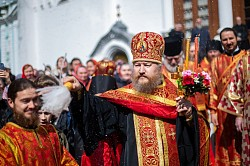 В Лавре прошли праздничные богослужения Светлой субботы