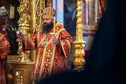 Епископ Сергиево-Посадский Парамон совершил всенощное бдение накануне Недели святых жен-мироносиц