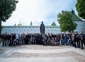 На лаврской площади прошло открытие мотосезона клуба владельцев мотоциклов «Harley-Davidson»