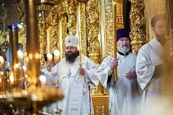 Епископ Сергиево-Посадский Парамон совершил Литургию в день памяти святых отцов I Вселенского Собора
