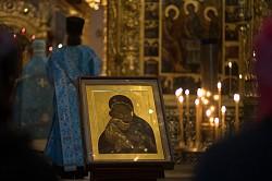 В праздник Владимирской иконы Божией Матери епископ Парамон совершил Божественную литургию