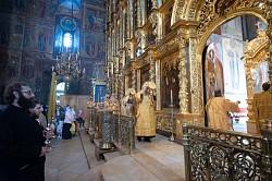 В восьмую Неделю по Пятидесятнице в Лавре прошли воскресные богослужения