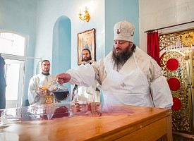 Епископ Парамон совершил великое освящение храма Корсунской иконы Божией Матери