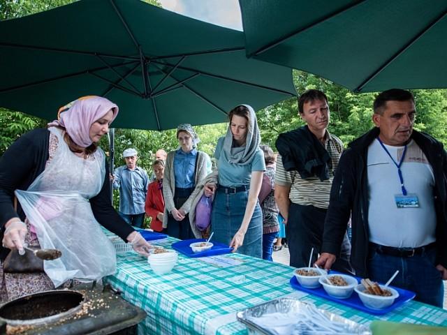 Соцслужба Лавры приглашает в день памяти преподобного Сергия Радонежского на благотворительную трапезу в Паломническую слободу