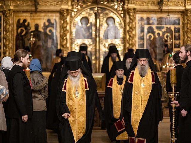 Богослужения памяти святых отцов VII Вселенского Собора прошли в Троице-Сергиевой Лавре