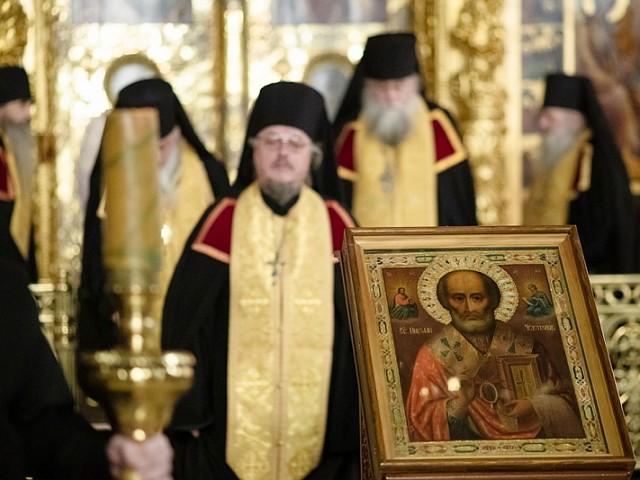 «Проповедует мир весь тебе, преблаженне Николае»: Лавра молитвенно почтила память святителя Николая Чудотворца
