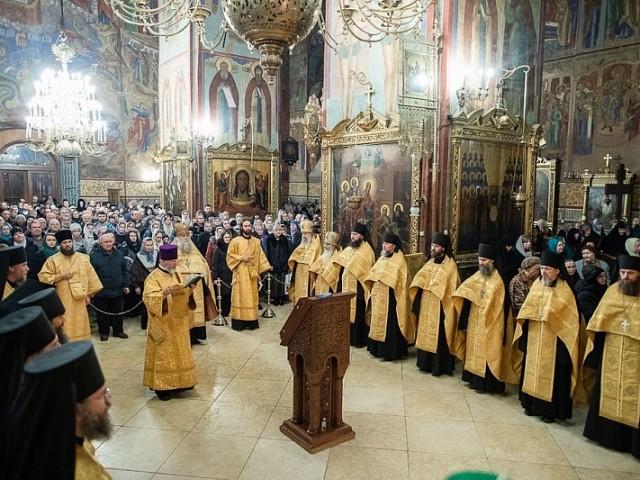 В преддверии 2020 года в Лавре совершили благодарственный молебен на новолетие
