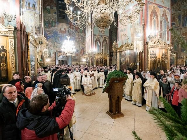В праздник Рождества Христова епископ Парамон совершил торжественные богослужения