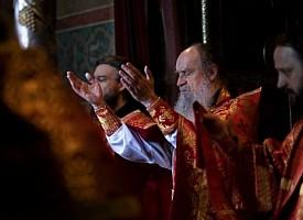 В Лавре прошли богослужения Недели о слепом