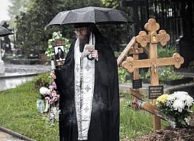 Духовенство Троицкой обители совершило Литургию и отпевание почившего брата