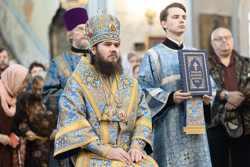 Епископ Фома совершил Божественную литургию в храме Покрова Божией Матери в поселке Черкизово