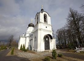 История церкви Спаса Нерукотворного образа лаврского подворья в с. Деулино