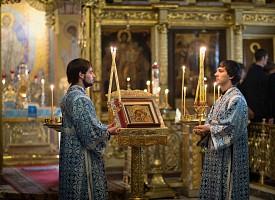 Божия Матерь всегда с верующими в Своих святых иконах. Митрополит Николай (Ярушевич)