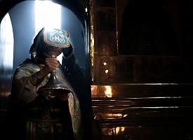 «Чтим образ Твой Святый»: в Лавре прошли богослужения в честь Сретения Владимирской иконы Божией Матери