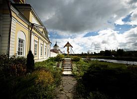 Епископ Фома совершил Литургию в Варницком монастыре
