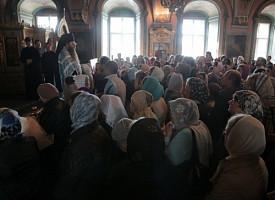 Слово к выходящим из храма при появлении проповедника и о разговаривающих во время проповеди