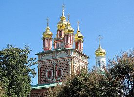 Надвратный храм Лавры в честь Рождества святого Иоанна Предтечи (1693–1699 гг.)